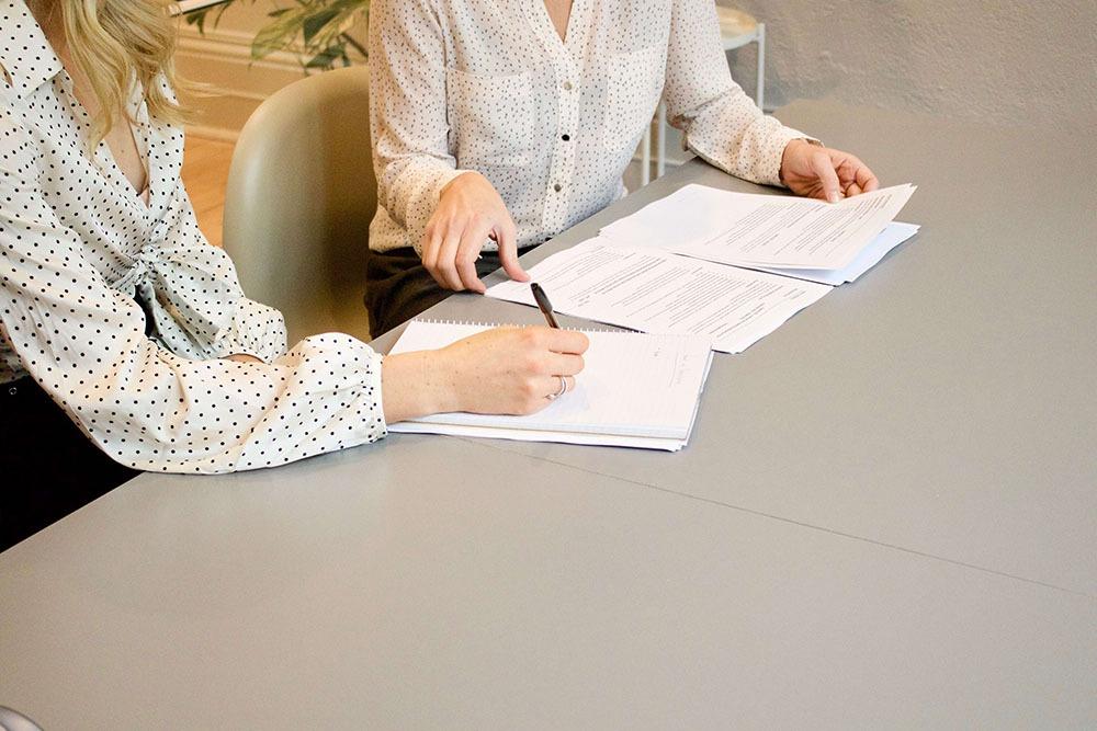 Partner in rekrutering onderteken van contract