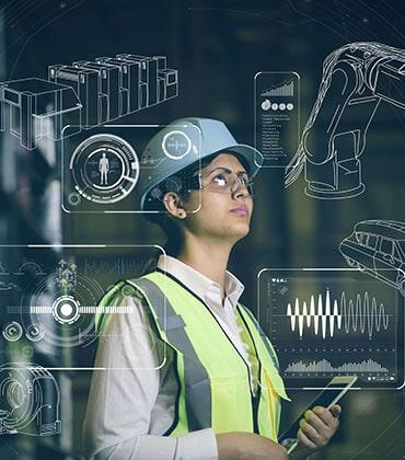 werving en selectie: industrieel ingenieur die plannen/schetsen bekijkt